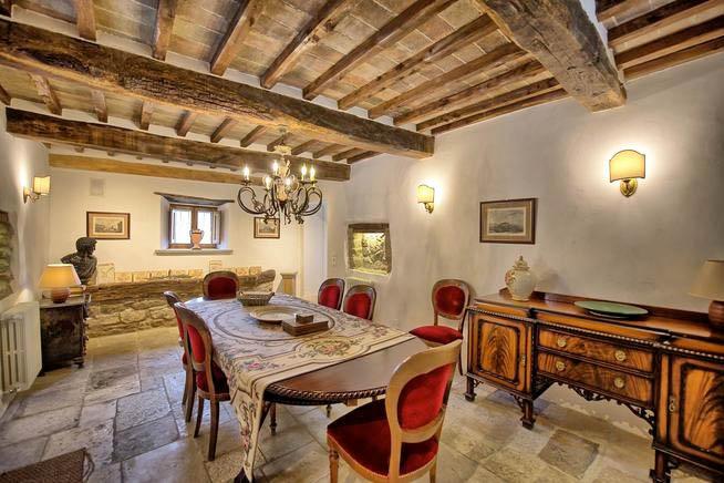 Luxus Ferienhaus Italien Für 12 Personen In Monterchi   Esszimmer
